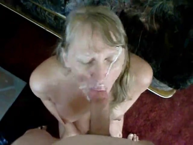 Blonde Milf Will Squirt On Her Face