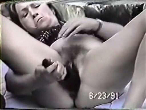mature brunette milf masturbating and dildo fucking her wide pussy