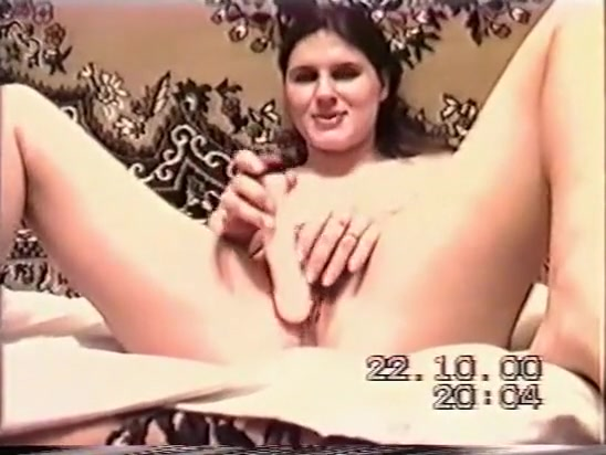 brunette masturbating on webcam gets her pussy licked by horny man
