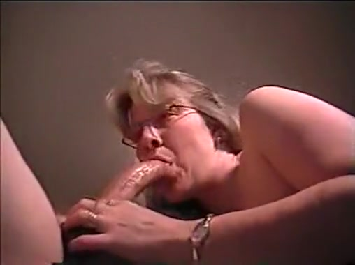 mature milf suck and deeply lick that big hard cock