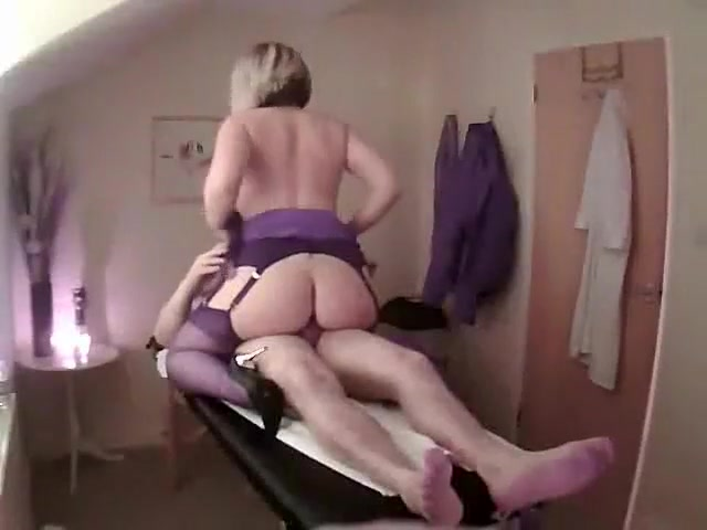 De Heetste Amateurvideo Met Massage, Kousenscènes