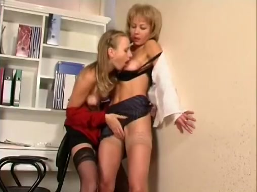 Best Amateur Record With Lesbians, Low Scenes