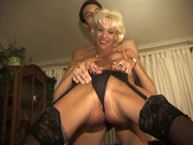 Gal Hjemmelaget Video Med Blowjob, Blonde Scener