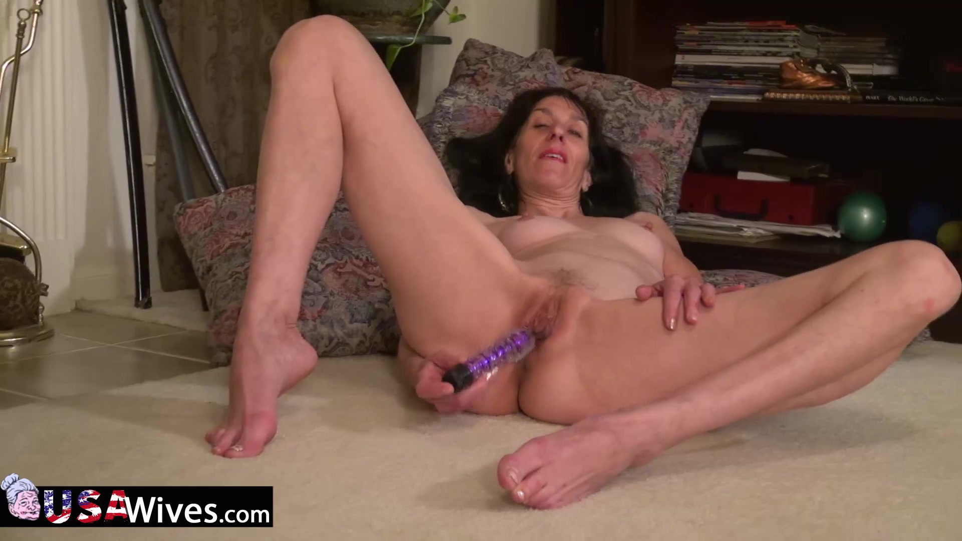 USAwives Penny Jones Mature Solo Masturbation