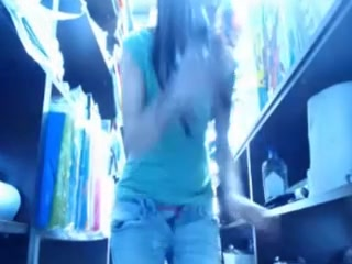 Hotty In The Store Backroom Plays With Herself On Livecam
