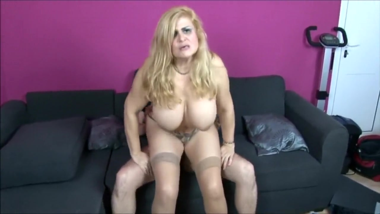 robin reid & musa libertina housewife big tits mature fucking the dick of the seller
