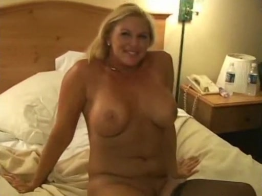 Breasty Blondy Dilettant Mature I Want To Fuck, Earn Darksome Creampie