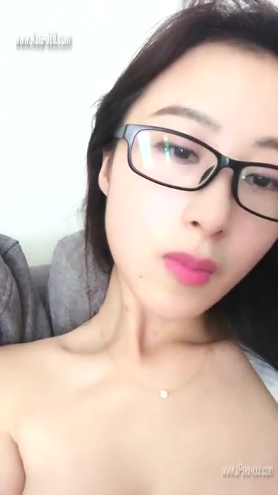 Chinese Teens Live Chat With Mobile Phone