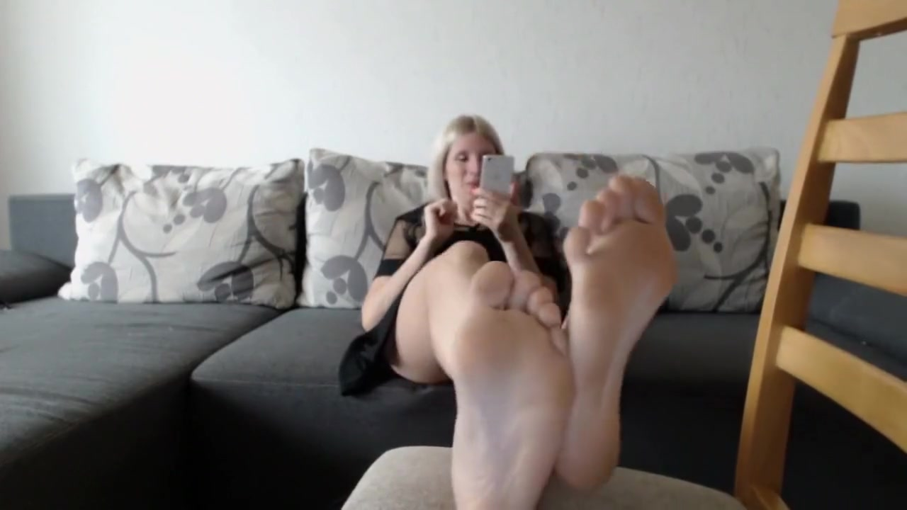 Hot Amateur Blonde, Foot Fetish Porn Video