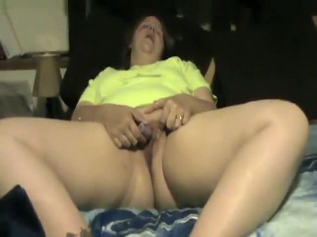 Blonde Woman Torments Her Clit With Purple Ball ...