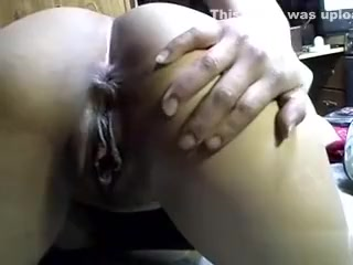 plump slut toys her muff in the porn house masterbation