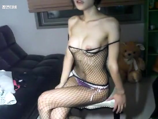 Pretty Korean Lady Live Sex Show On Webcam -