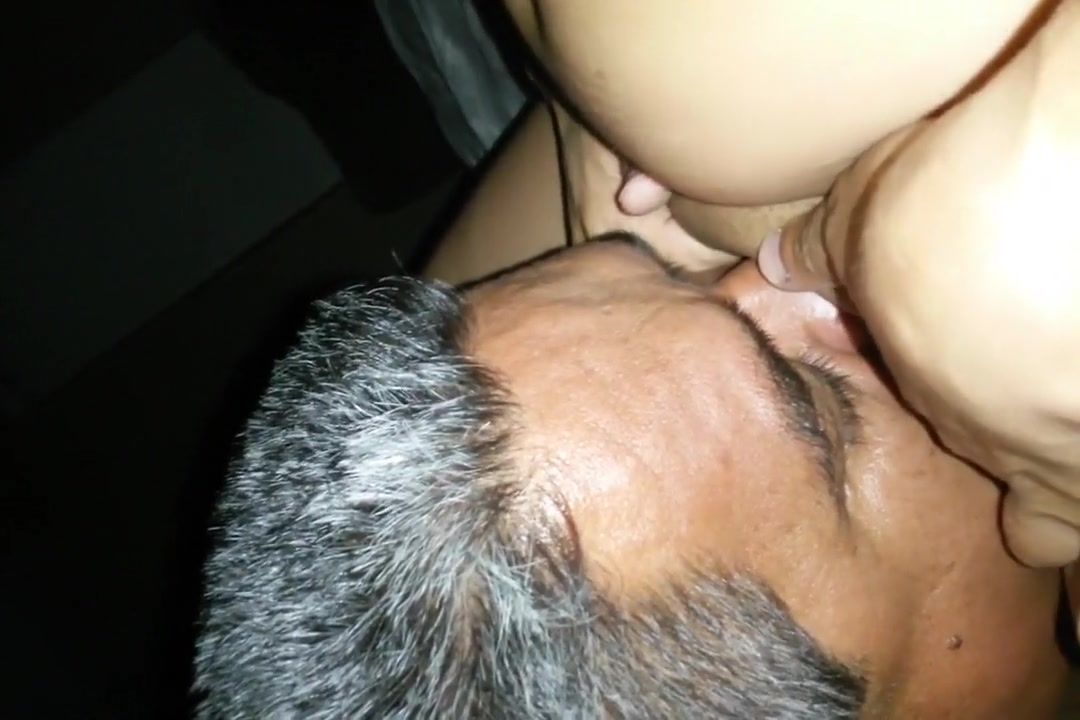I get a nice head in the mature amateur video clip