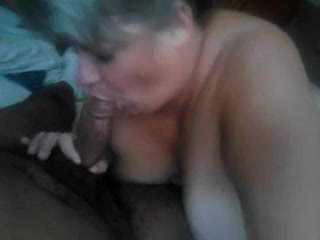 Busty Mature Woman Дава Главата На Bf