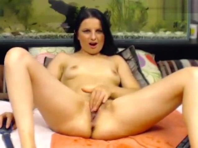 queensquirts brunette fucks herself with sex toys